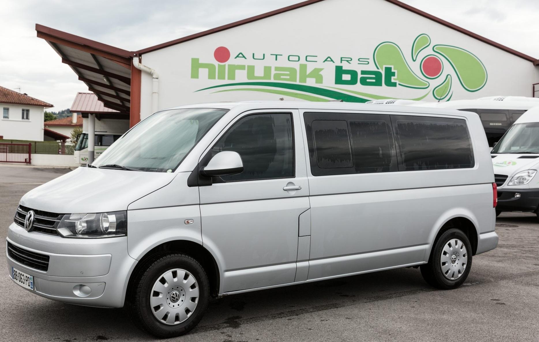 Location minibus 8 places avec chauffeur